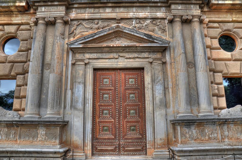 Дворец Карла V в Альгамбре Фото: N i c o_(flickr / C.C.)