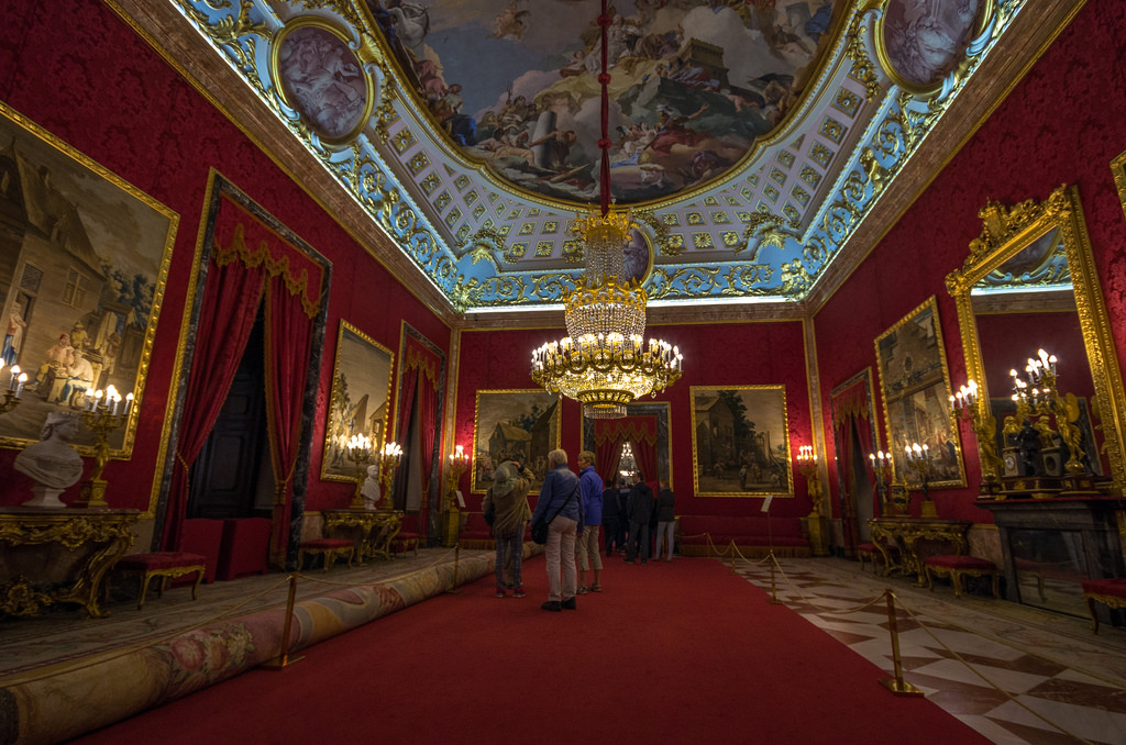 Королевский Дворец в Мадриде фото: G · RTM