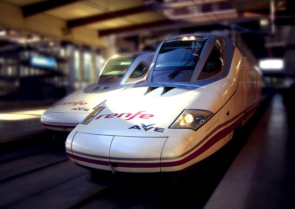 Высокоскоростные поездв фото: mikelo (flickr / C.C.)