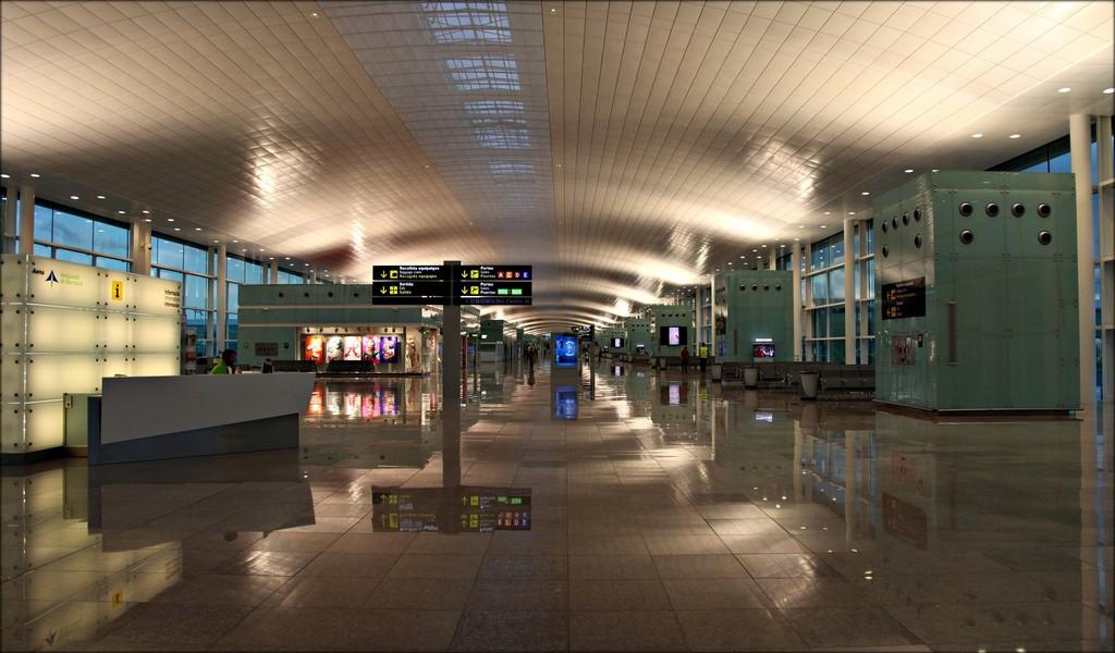 Как добраться из аэропорта Барселоны до центра города. Фото David Martin_Suki
