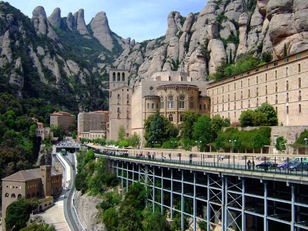 Монастырь Монсеррат в Барселоне ©Enrique Freire b