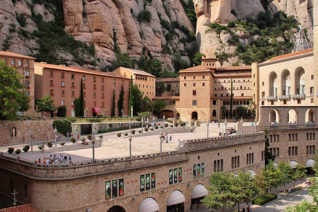 Монастырь Монсеррат в Барселоне ©Jorge Franganillo