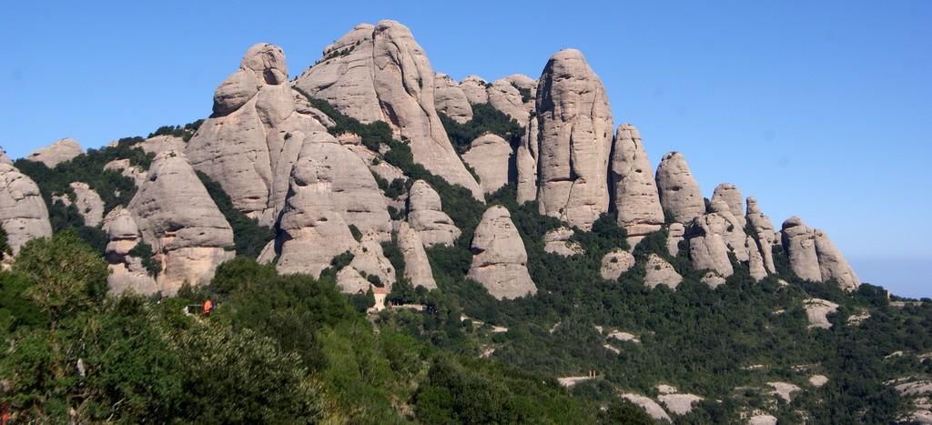 Монастырь Монсеррат в Барселоне ©tgrauros