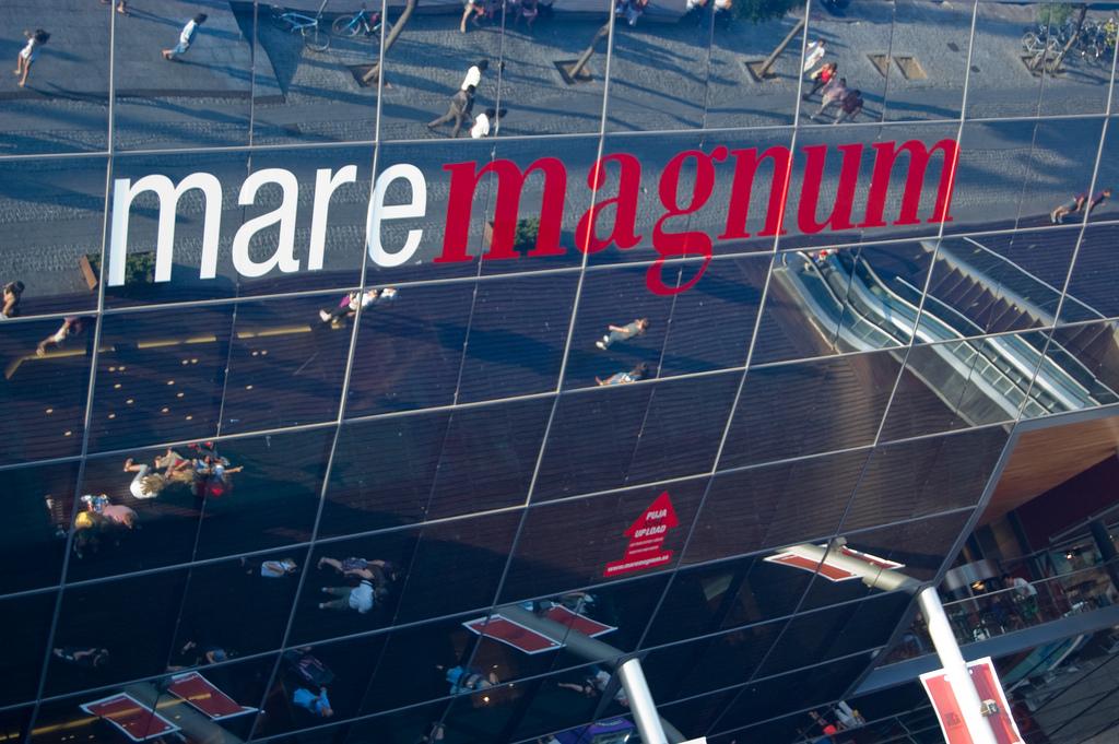 Торговый Центр Maremagnum Фото: mariaje_mc (flickr / C.C.)