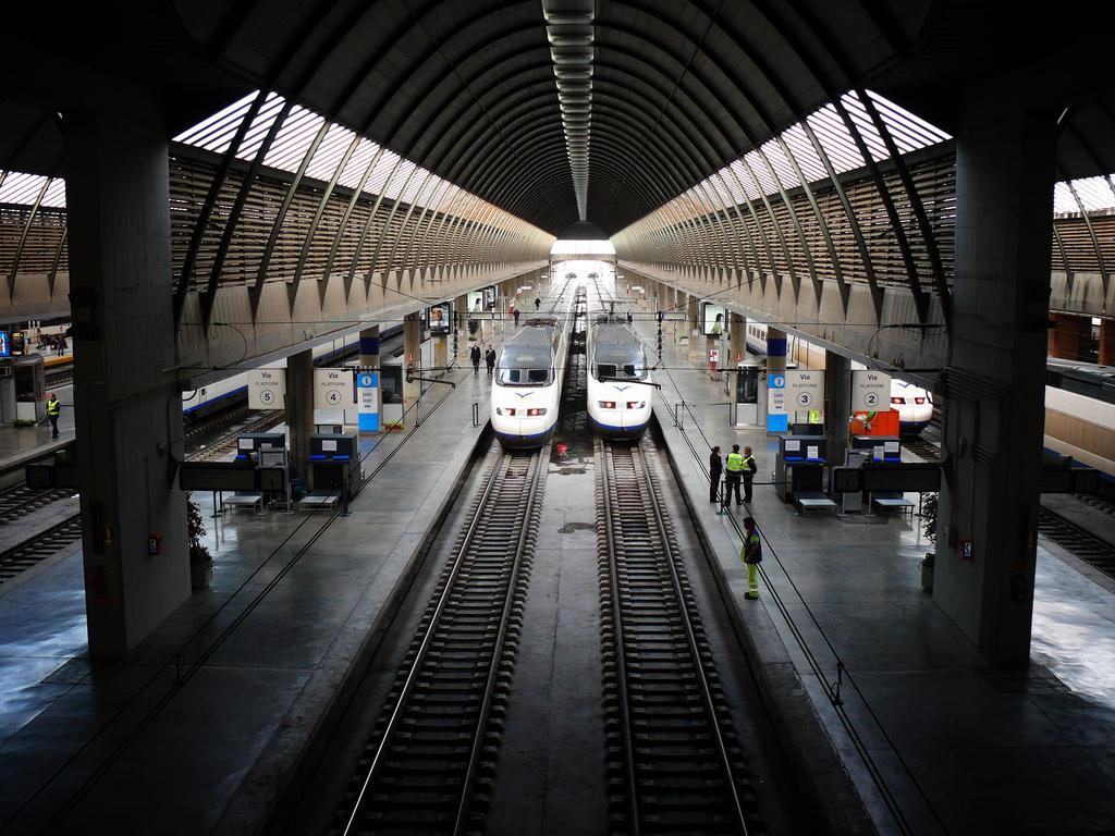 Железнодорожный вокзал. Фото: Arkangel (flickr / C.C.)