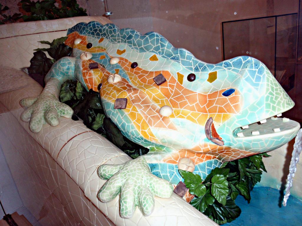 Скульптура знаменитой Саламандры Гауди в Музее Шоколада в Барселоне / Фото: Oh-Barcelona.com (Flickr / C.C.)