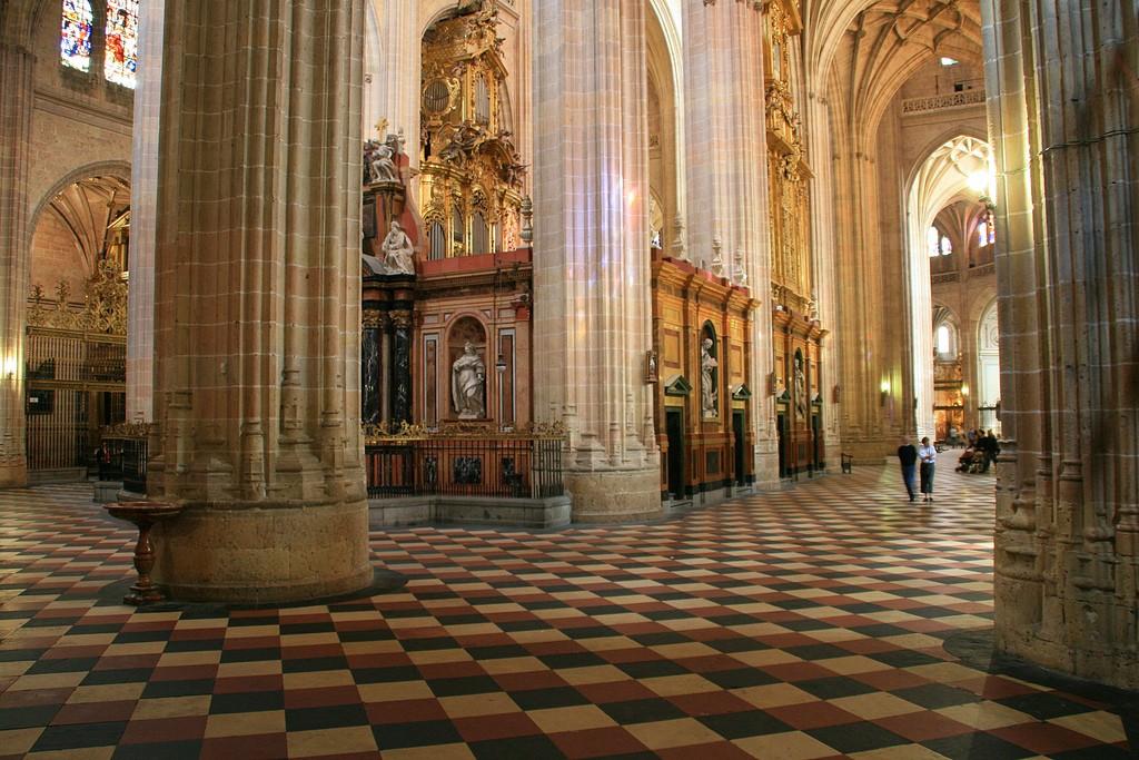 Интерьер Кафедрального Собора Сеговии / Фото: Miguel. (respenda) (Flickr / C.C.)