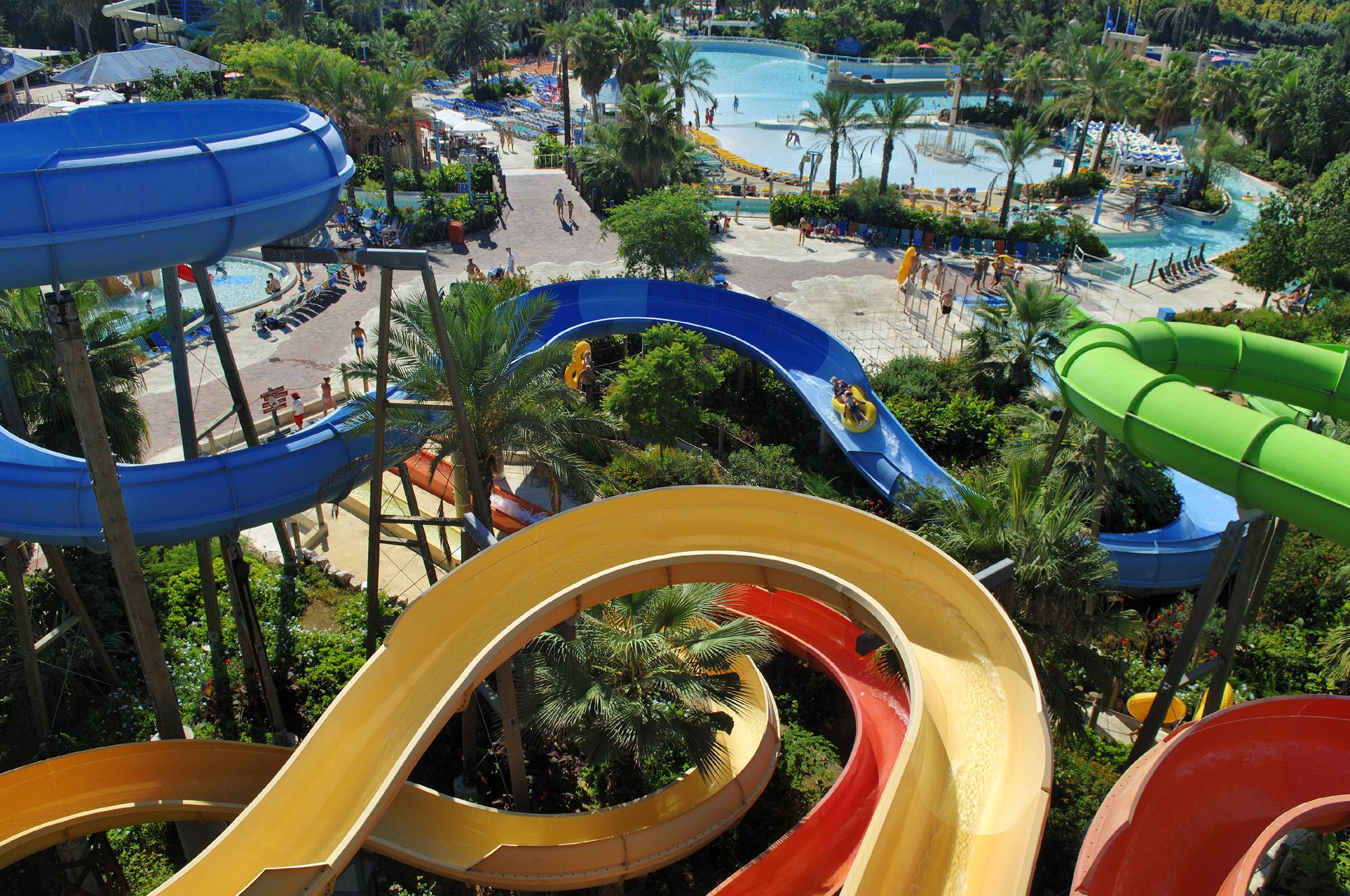 В парке Порт Авентура есть также аквапарк Caribe Aquatic Park / Фото: Wikipedia C.C.