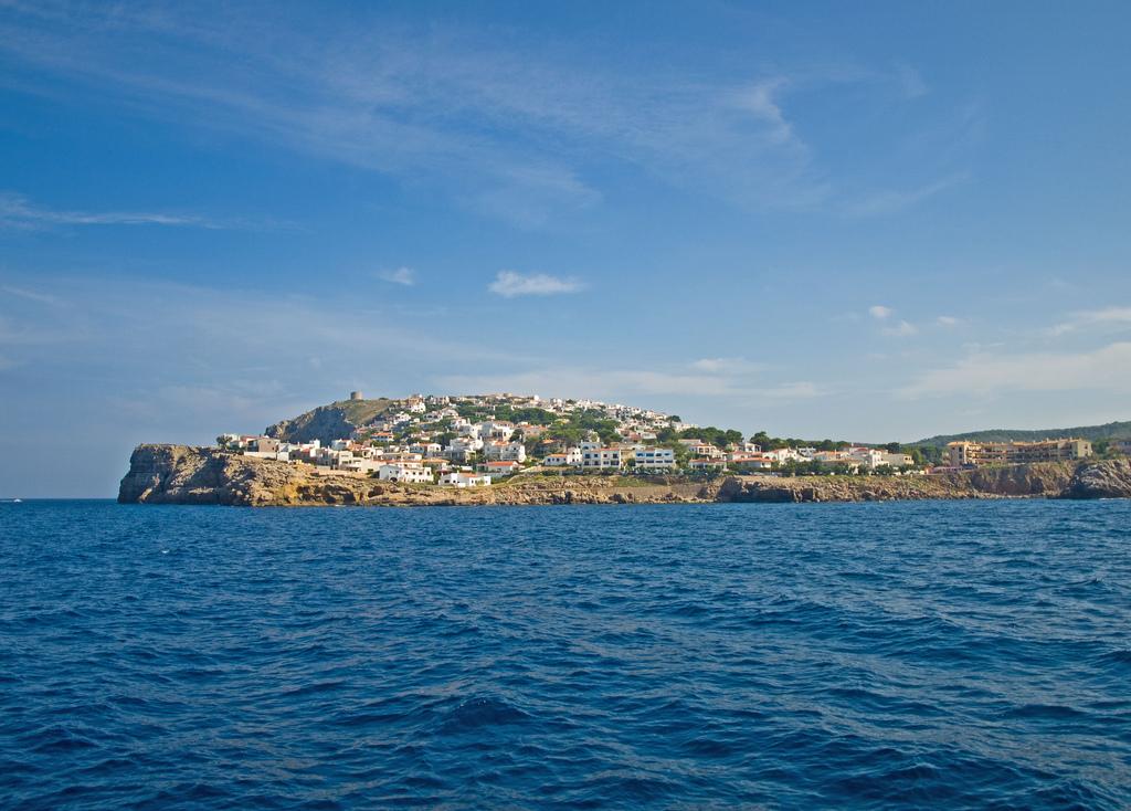 """В городке Л'Эскала находятся развалины старинного греко-римского города Ампуриас, что с древне-греческого переводится как """"Рыночный Порт"""" / Фото: Queralt jqmj (Flickr / C.C.)"""