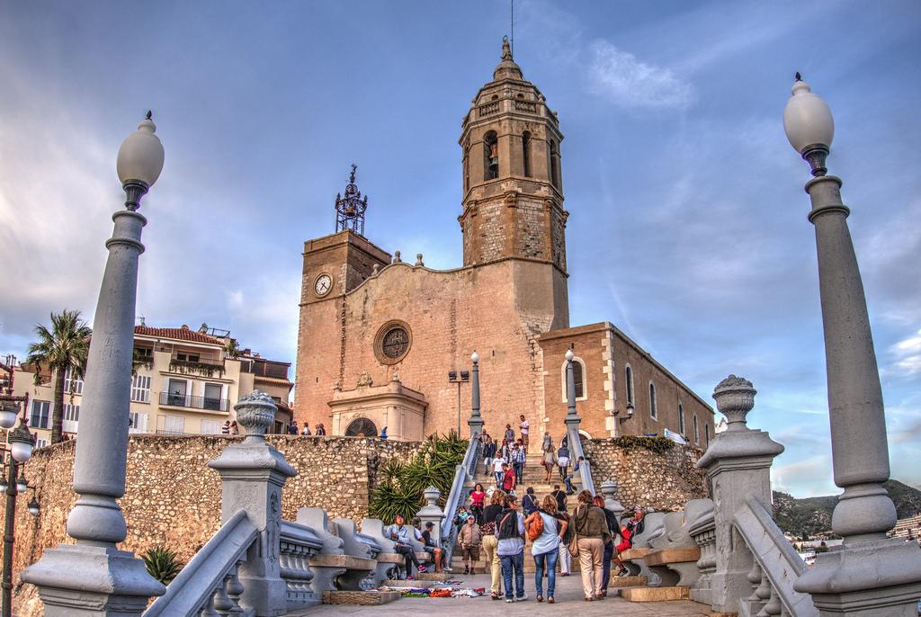 Прелестная церковь Сан Бартоломе и Санта Текла (XVII век)- одна из достопримечательностей города / Фото: Cocoabiscuit (Flickr / C.C.)
