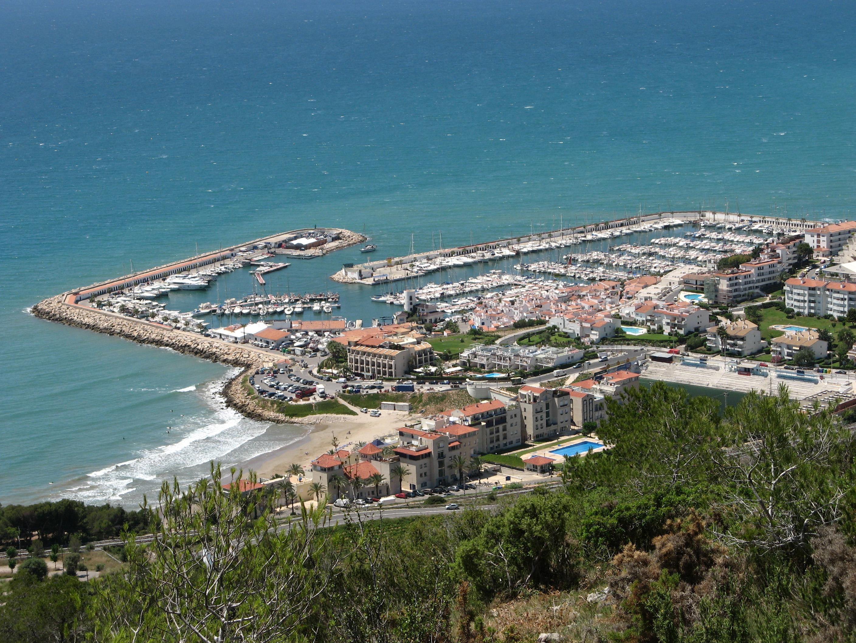 Порт Aiguadolç (Спортивный порт). С момента основания города, Ситжес был важным коммерческим пунктом и его порт был эпицентром торговли в регионе / Фото: Wikipedia (C.C.)
