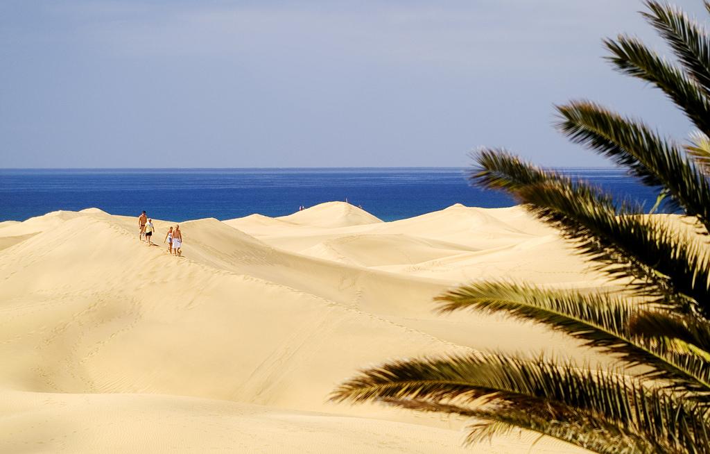Пустыня Сахара? Нет, это пляж Маспаломас, один из самых знаменитых на острове Гран-Канария / Фото: Vin Crosbie (Flickr / C.C.)