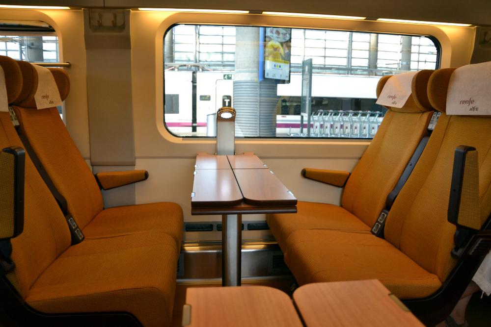 Высокоскоростного Поезда Фото: Mundo-Guides