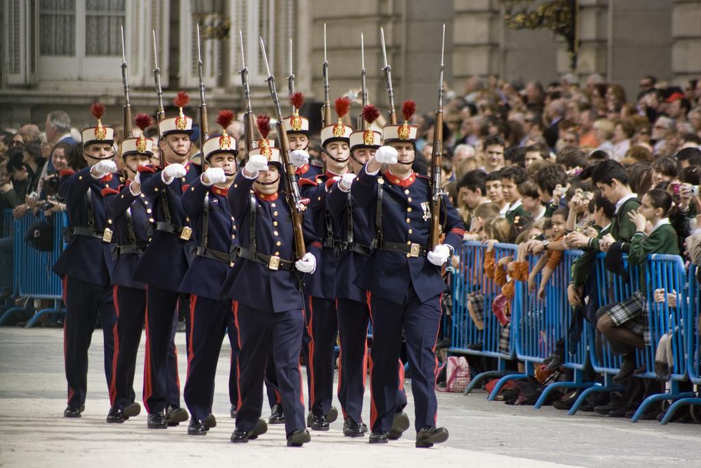 Королевский Дворец в Мадриде / Фото Luis Kelly