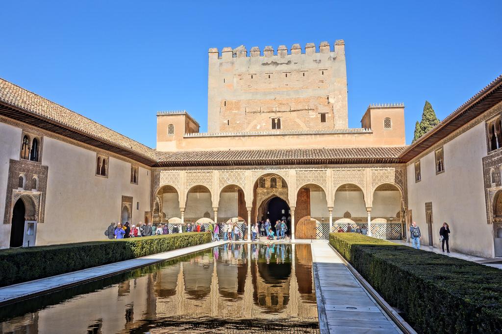 Дворец Альгамбра в Гранаде фото: Alf Igel (flickr / C.C.)