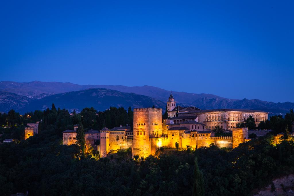 Дворец Альгамбра в Гранаде фото: anhgemus (flickr / C.C.)