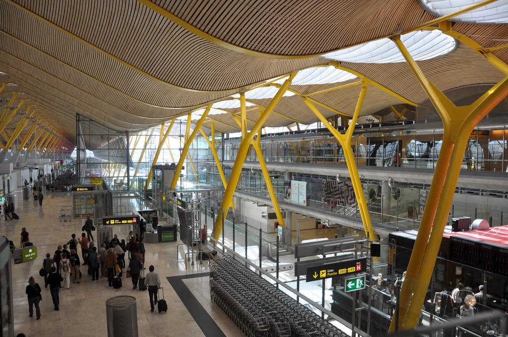 Как добраться из Аэропорта Мадрида в центр города Фото Camila Pastorelli