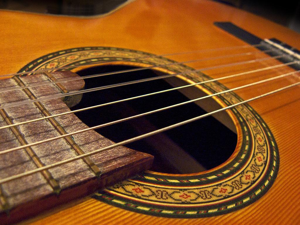 Испанская гитара Фото: Angel T. (flickr / C.C.)