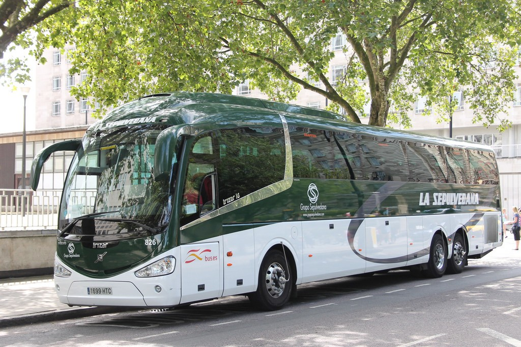 Автобус, приехавший в Сеговию из Мадрида / Фото: eastleighbusman (Flickr/ C.C.)