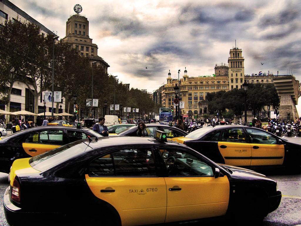 Путешествие на такси из аэропорта Барселоны в центр города стоит около 30€ / Фото: J.Salmoral (Flickr / C.C.)