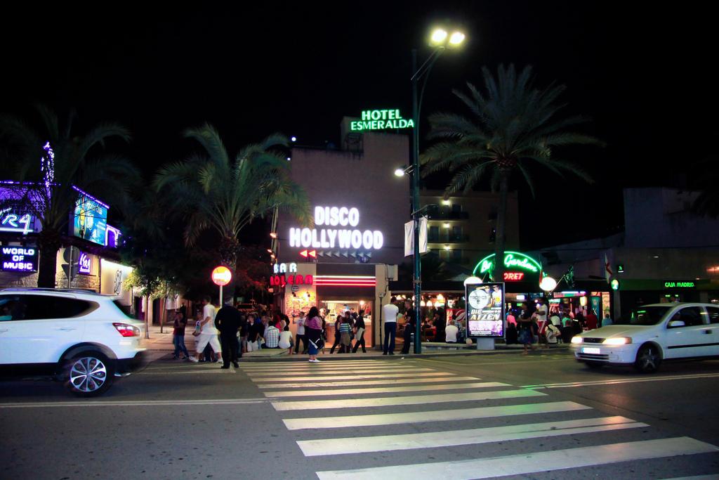 Ночная жизнь Льорет де Мар знамениты по всему региону / Фото: antoskabar (Flickr / C.C.)