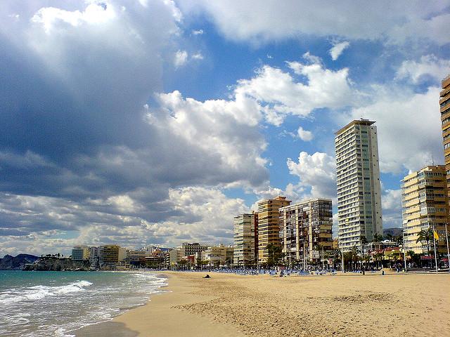 """Пляж Леванте """"Playa de Levante"""" - один из самых популярных пляжей города / po.psi.que (Flickr / C.C.)"""